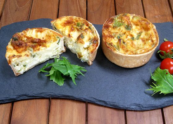 Cheese & Leek Quiche (V)